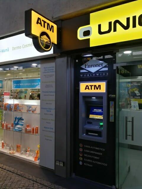 【写真あり】ポルトガルのATMを使って現地通貨ユーロに両替(現金引き出し)する方法を詳しく紹介します
